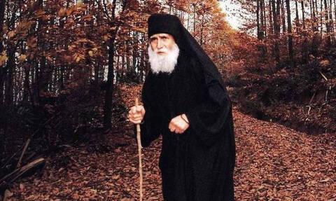 Ο Άγιος Παΐσιος ο Αγιορείτης* - larissanet.gr